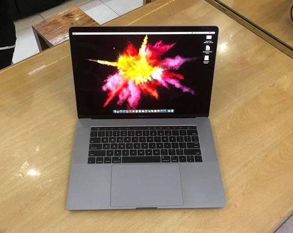 Hình ảnh của Macbook Pro Retina 15 inch 2017 - MPTT2
