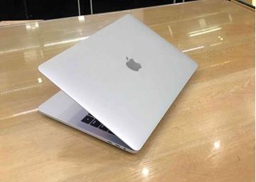 Hình ảnh của Macbook Pro Retina Touch Bar 2017 - MPXX2